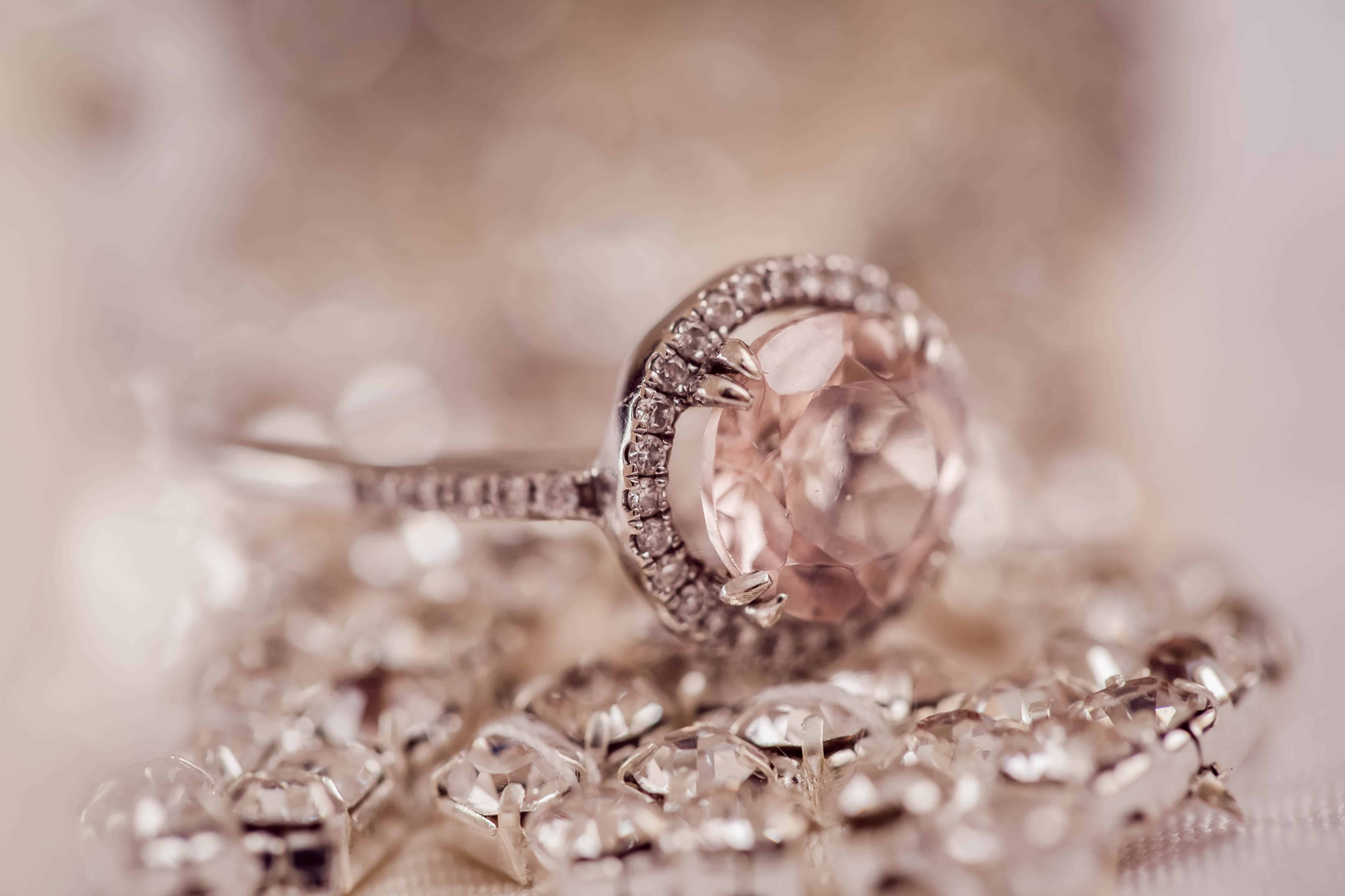 cleaning diamond ring