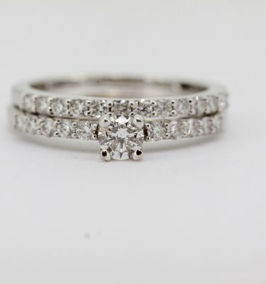 Round Diamond Shoulder Ring With Round DIamond Matching Band